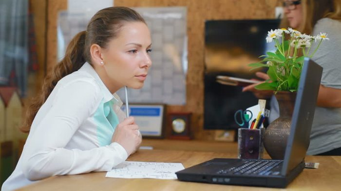 woman-finance-business